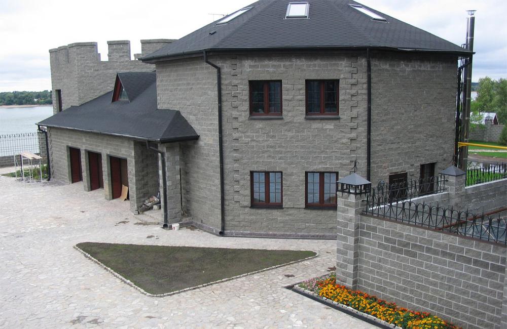 Садовый домик из шлакоблока своими руками