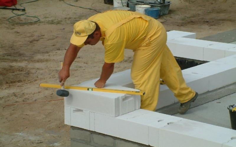 укладываем правильно газосиликатные блоки