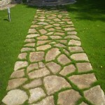 дорожка, мощенная из бутового камня №5