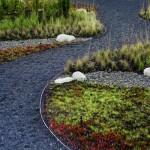 садовая дорожка, выполненная из гравийного щебня 1