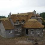 Дом, построенный из глины и соломы №2