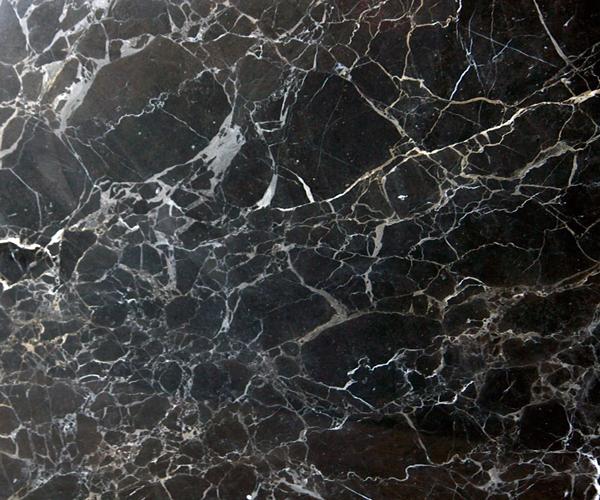 как выглядит черный на серебре натуральный мрамор