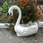 Лебедь, сделанный из гипса