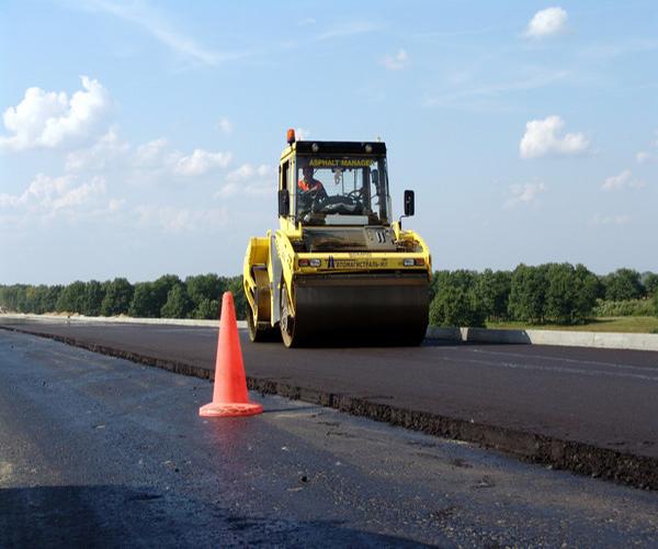 http://stroyres.net/wp-content/uploads/2015/01/kak-proishodit-ukladka-asfalta.jpg