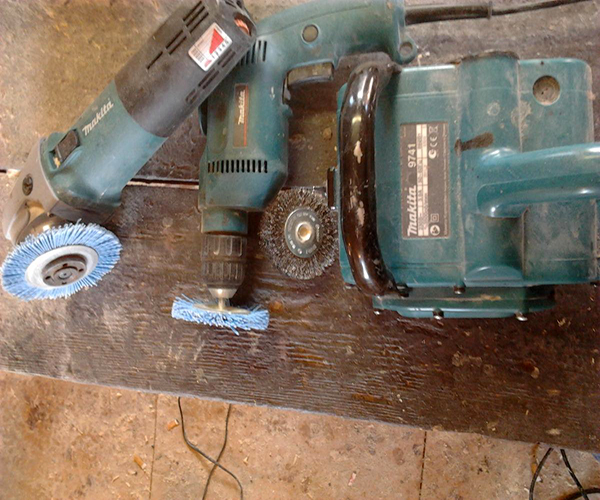 инструменты применяемые при состаривании древесины