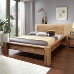 как выглядит кровать из массива дуба