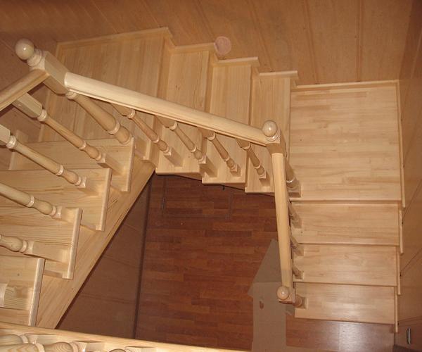 Лестница на второй этаж своими руками из дерева с фото 78