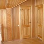 как выглядят двери из лиственницы