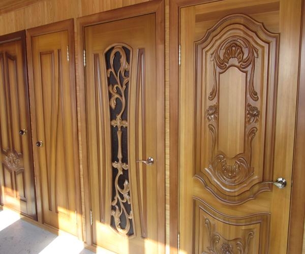 готовые двери из лиственницы