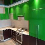 как выглядит цветной кухонный фасад из мдф