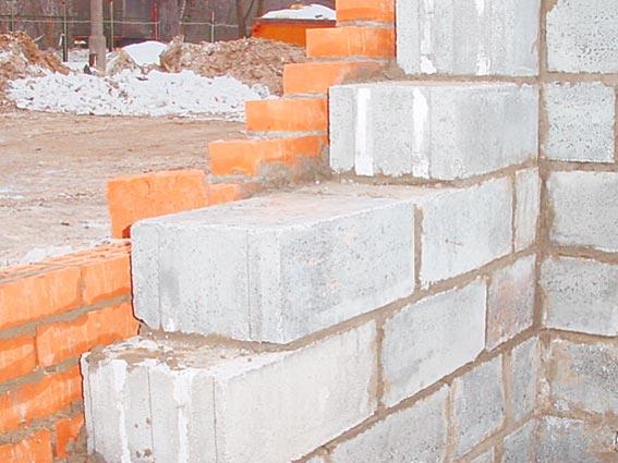 Использование ячеистого бетона внутри и облицовочного кирпича