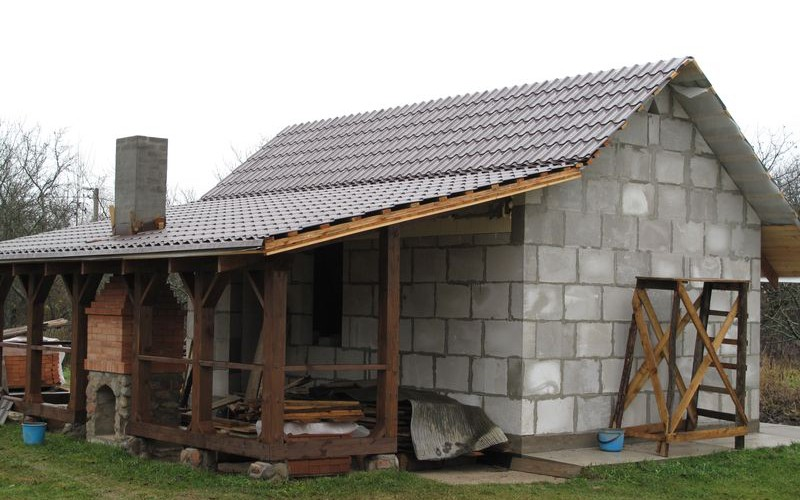 Гаражи построенные около дома