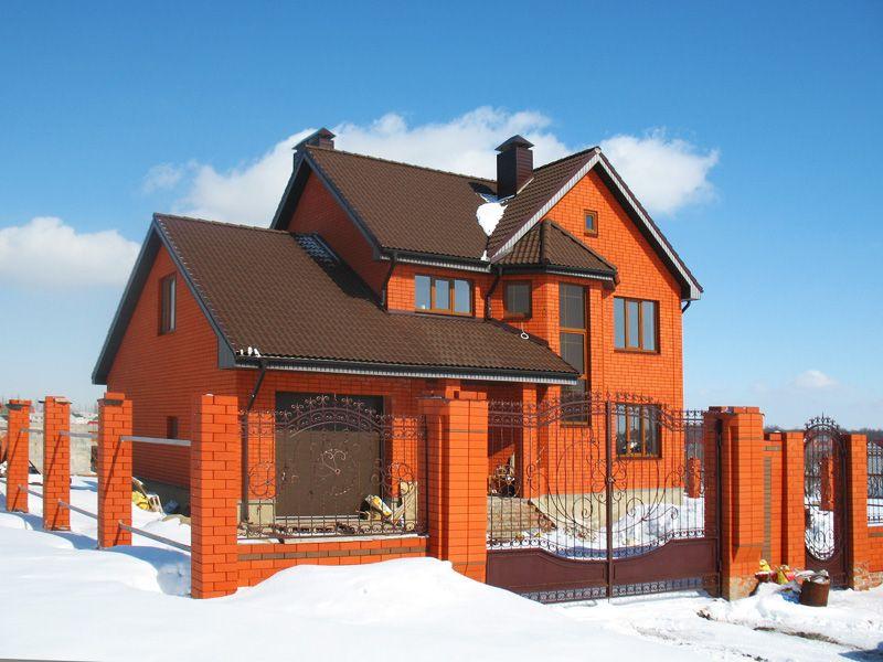 красный облицовочный кирпич дом