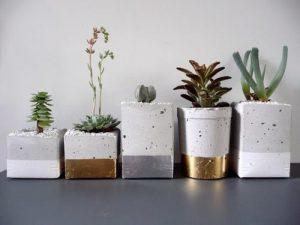 вазон из бетона или гипса