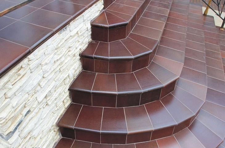 Уличные ступени из керамогранита
