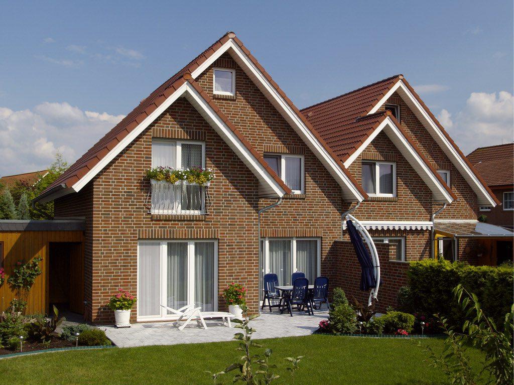 фасада дома с отделкой из клинкерного кирпича