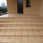 Клинкерная плитка для крыльца и ступеней на улице: особенности материала для облицовки лестниц