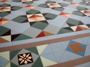 Продукция имеет разные размеры (3,5-15 см), что очень удобно. Форма изделия так же радует. Она может быть прямоугольной, восьмиугольной, квадратной, треугольной и шестиугольной.