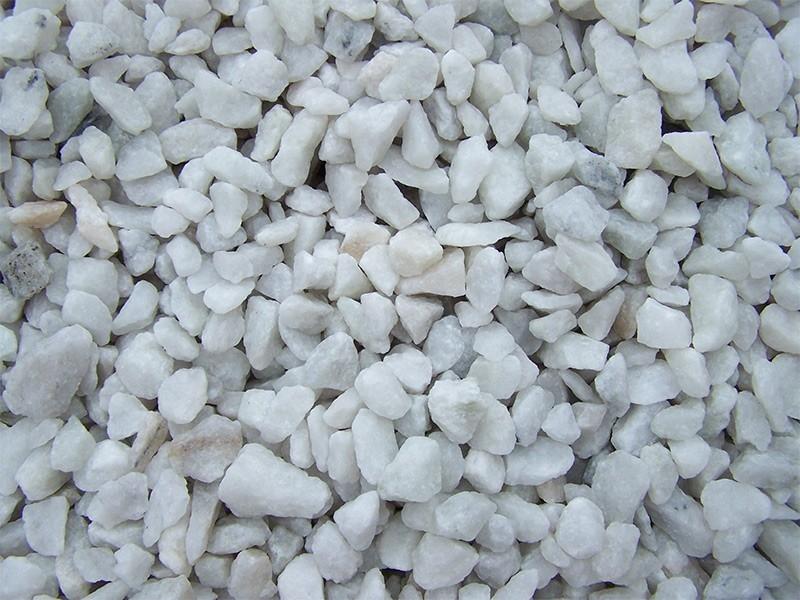 Мраморная крошка светло-бежевая - мраморный щебень из мрамора светло-бежевого цвета фракции 10-20 мм